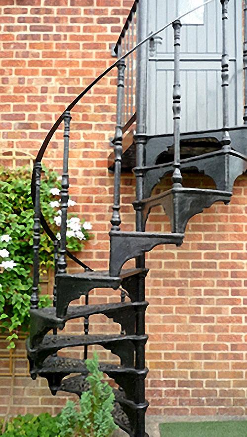 studio_stairs_500